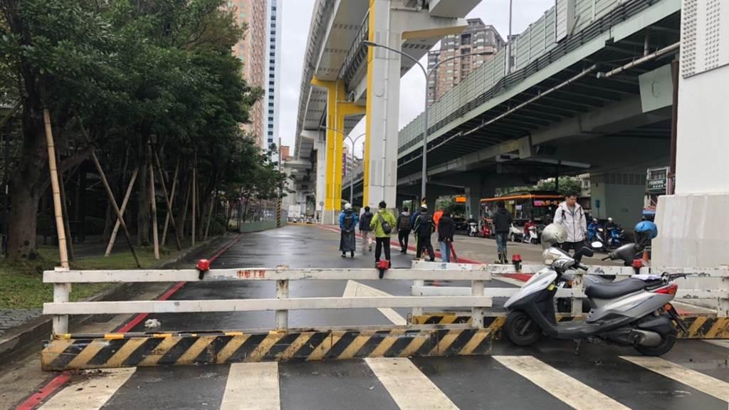 道路16月不通車 理由讓人傻眼(圖/愛傳媒提供)