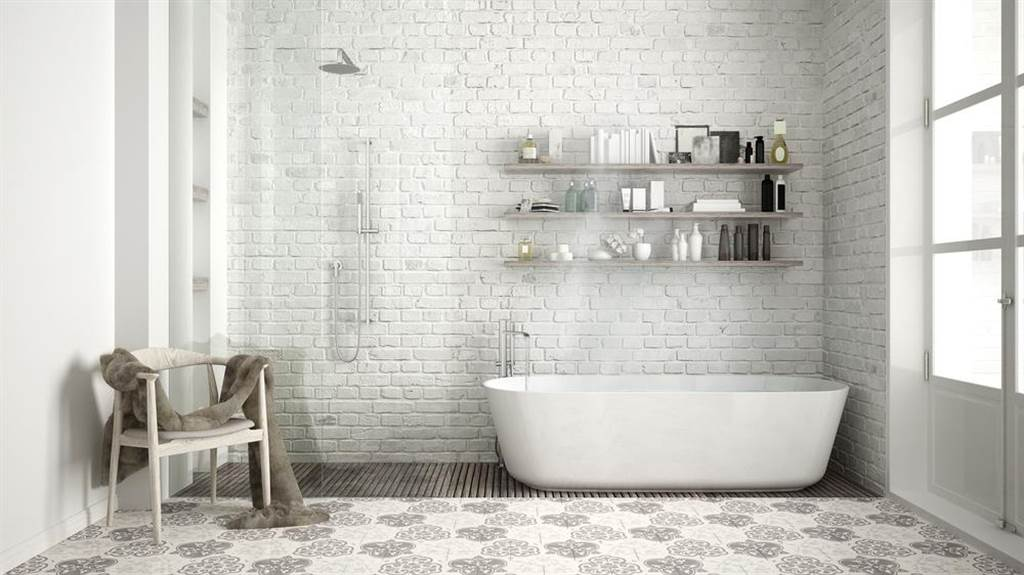 若在家裡遇到強震來襲,一旦情況失控,專家建議躲廁所最好。(示意圖/Shutterstock)