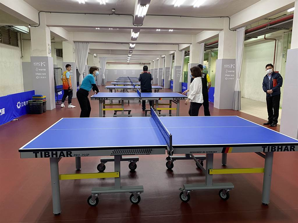 金石建设捐赠嘉北国小桌球设施,焕然一新。(廖素慧摄)