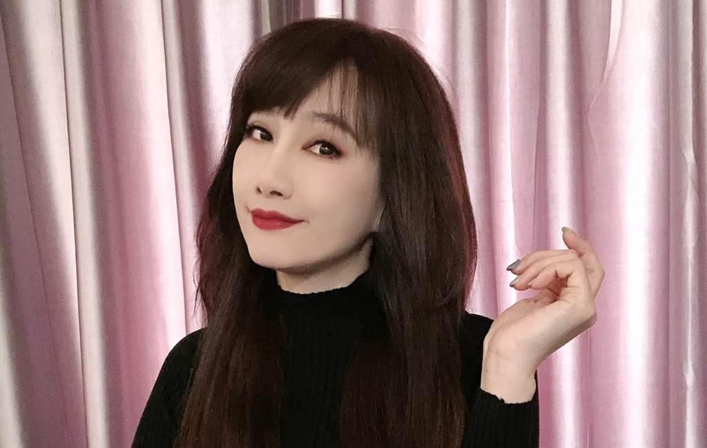 陳子璇離婚後幾乎天天更新臉書。(圖/FB@陳子璇)