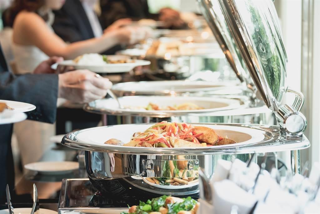不少人都有到吃到飽餐廳用餐的經驗,但究竟有沒有辦法吃到回本,一直是許多人討論的問題。(圖/示意圖,達志影像)