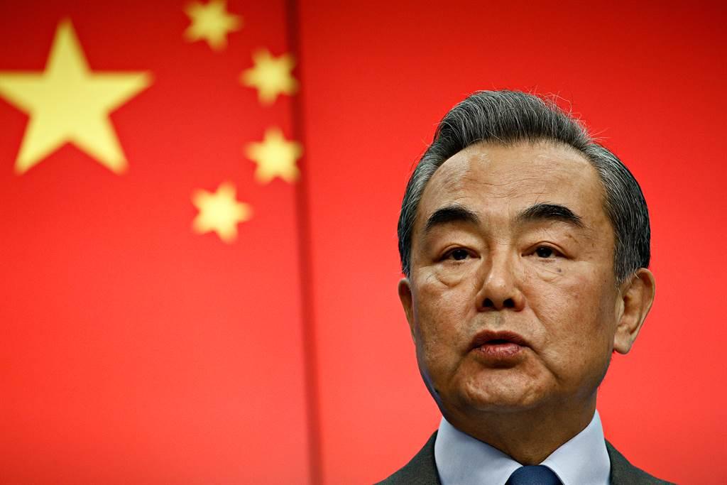 王毅認為中美要重建關係,反華勢力該收場。(圖/shutterstock)