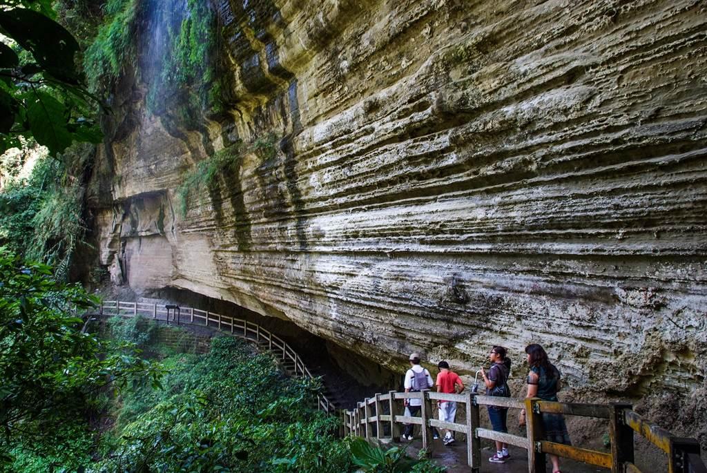嘉县文化观光局串联得奖咖啡,推出一系列的周末咖啡小旅行,有许多天然景点。(嘉义县政府提供∕吕妍庭嘉义传真)