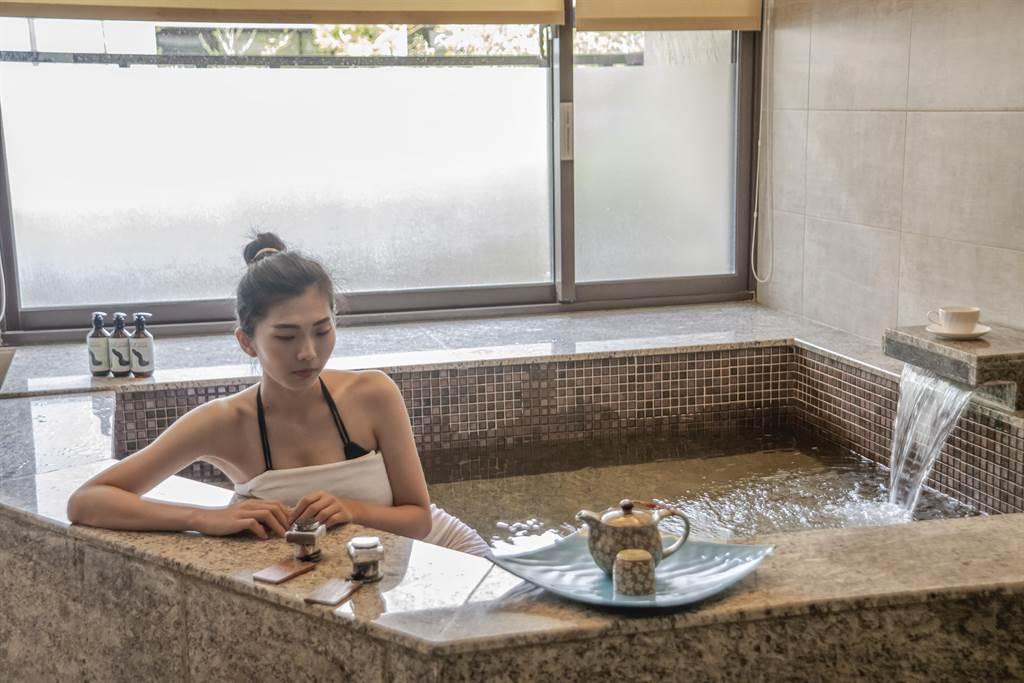 高雄田寮花季度假飯店搶攻跨年財,訂房飆到9成滿。(柯宗緯翻攝)