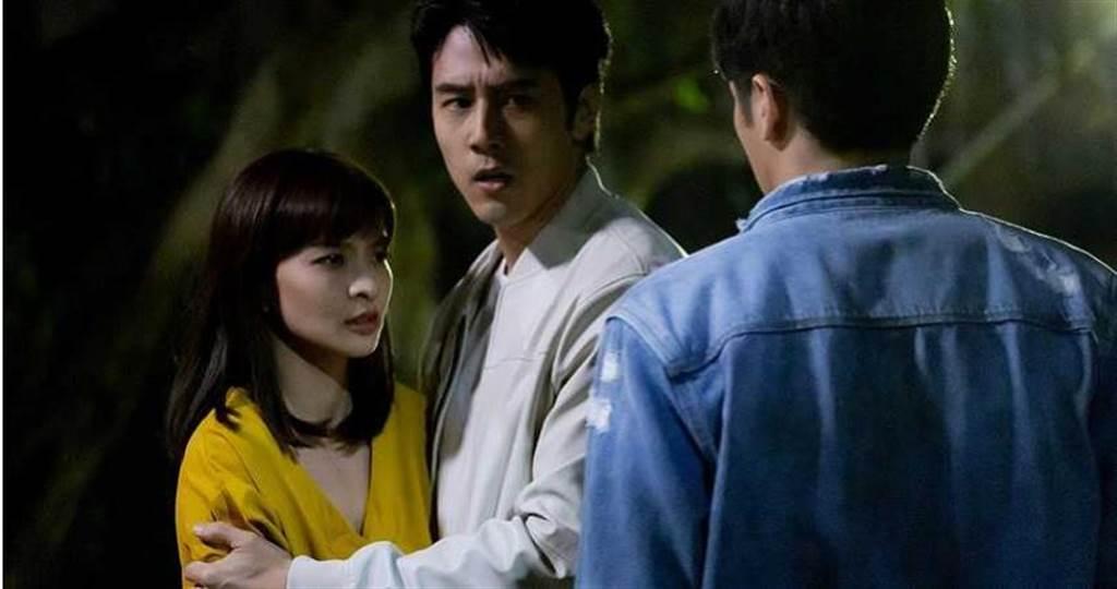 胡宇威、葉星辰戲裡遭到不明黑衣人跟蹤、攻擊。(圖/東森提供)
