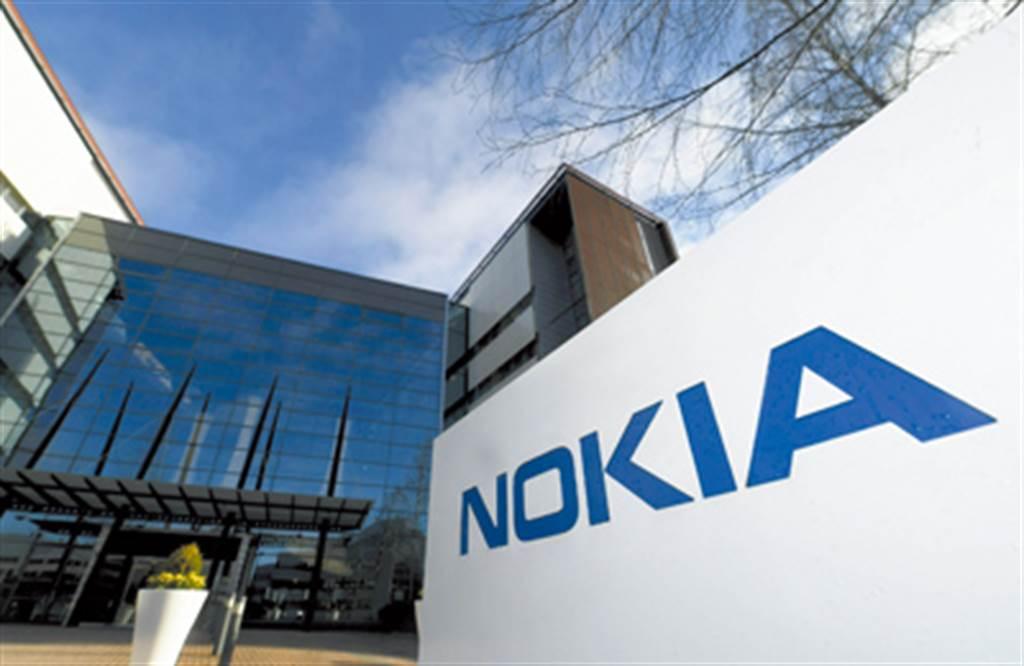 諾基亞在新任董事長上任後一力改革,甚至斷臂求生,出售苟延殘喘的手機業務,後來才能浴火重生。(圖/美聯社資料照)