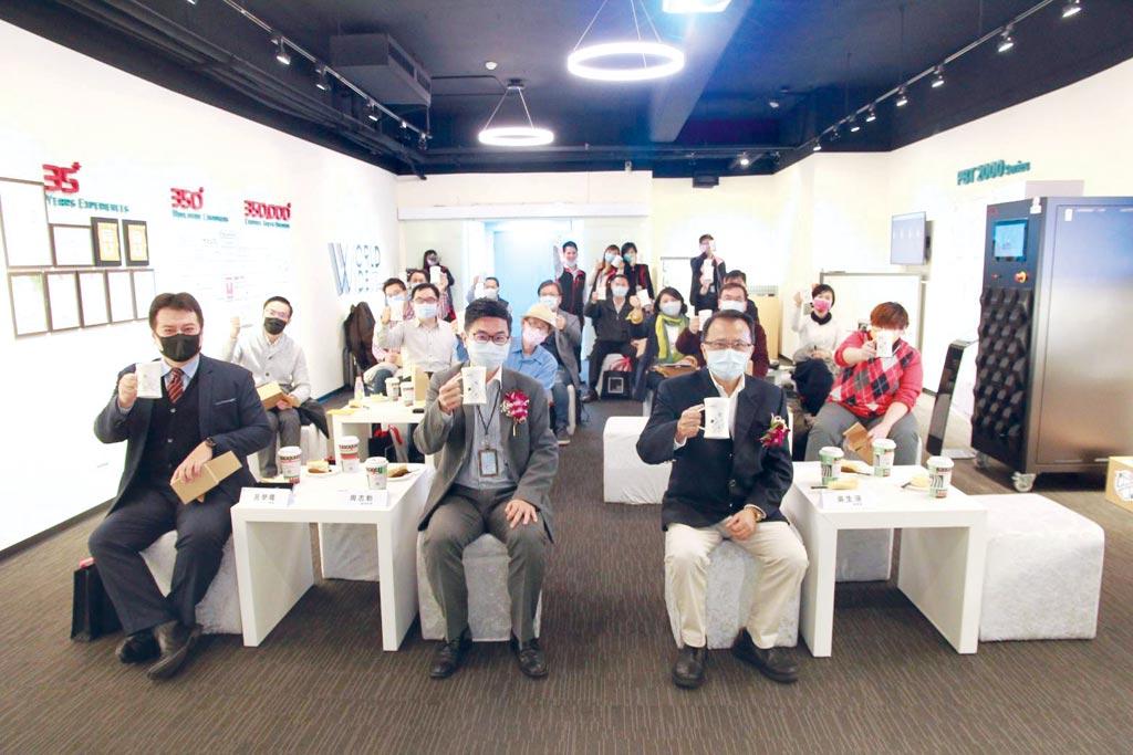 电池测试专业厂承德科技,欢庆35周年,举办研讨会。图/叶圳辙