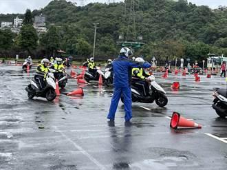 新店警辦安全駕駛訓練 強化防禦駕駛觀念