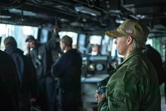 美國海軍將迎來史上首位航空母艦女性艦長