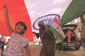 印度六利多撐腰 法人搶卡位