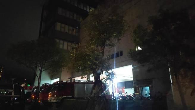 直至深夜1時,消防特搜隊才解散。(圖/翻攝自新北市政府消防局 - 秀峰義消特搜分隊)