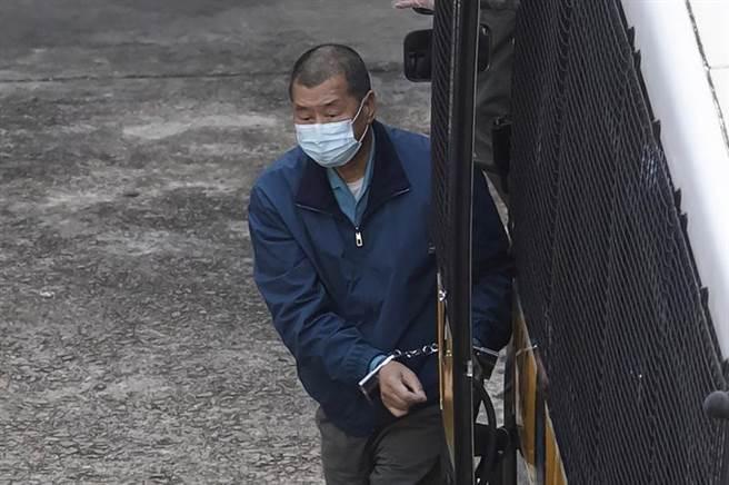 涉呼籲外國制裁香港,黎智英被加控勾結外國勢力危害國家安全罪。(圖/美聯社)