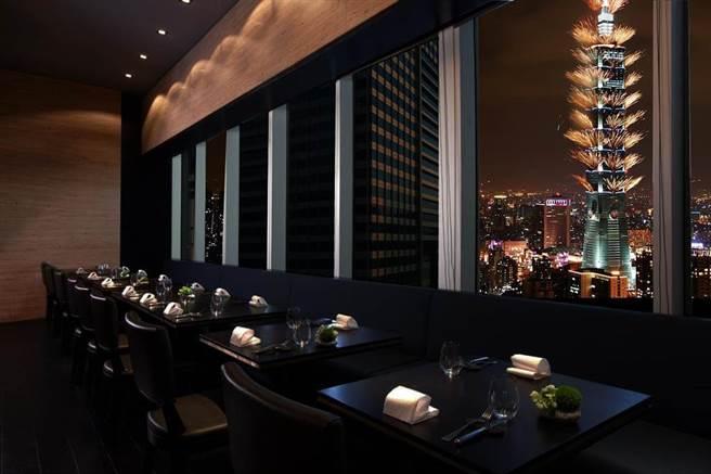 Just Grill跨年店景 Night View。(晶華提供)