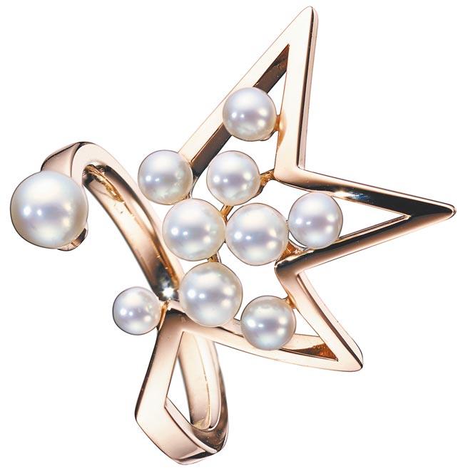 TASAKI abstract star珍珠櫻花金戒指,7萬500元。(TASAKI提供)