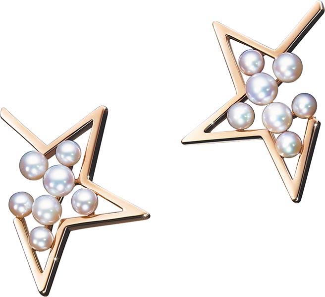TASAKI abstract star珍珠櫻花金耳環,6萬5500元。(TASAKI提供)