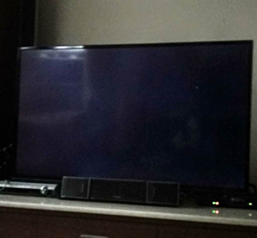 中天新聞於有線電視定頻的52頻道於12月11日24:00準點呈黑畫面(讀者提供)