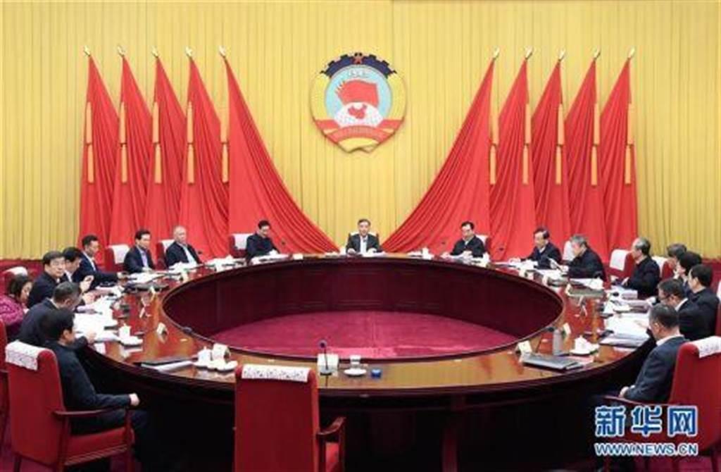 中共中央定調明年經濟,兩大表述極為罕見。(新華社)
