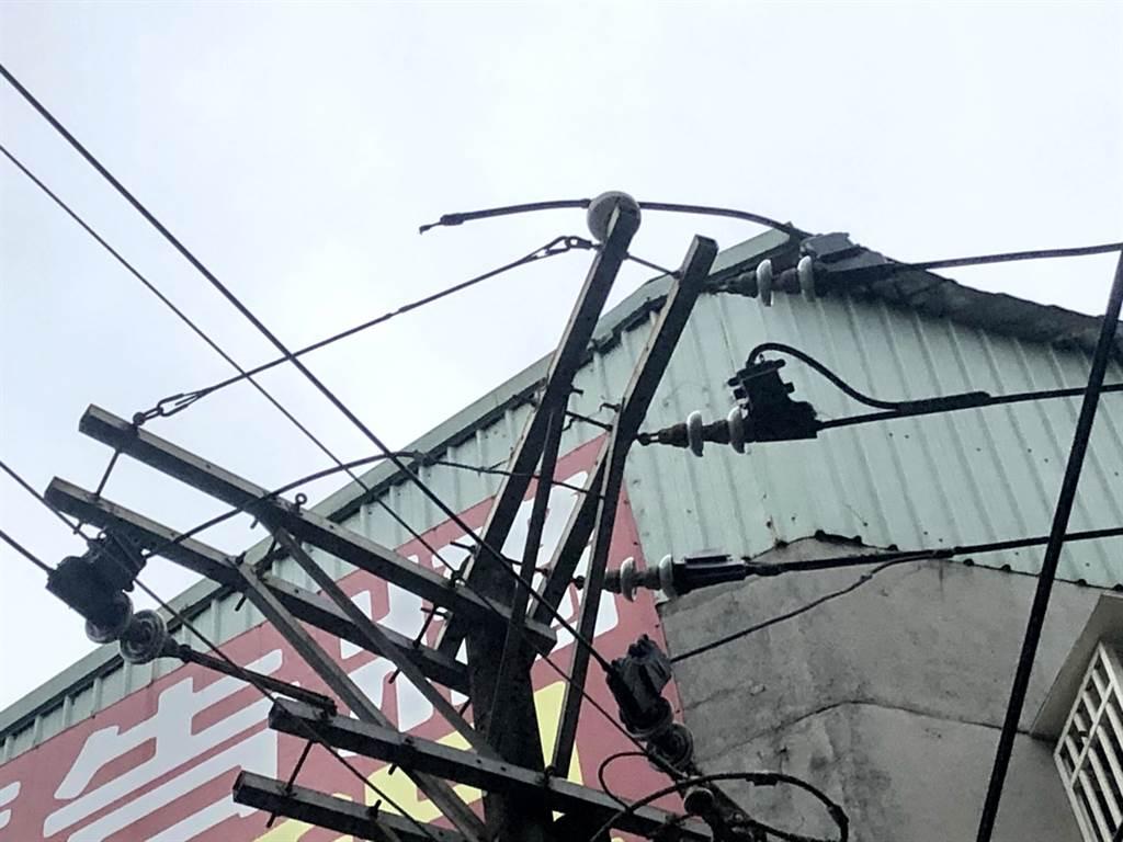 12日上午新北市板橋區縣民大道三段周邊一帶1568戶停電。(台電提供/中央社記者黃旭昇新北傳真)