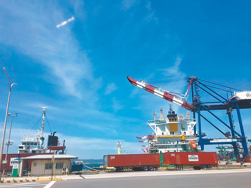 台北港開放民間土石方進場,月底就能陸續進港。(本報資料照)