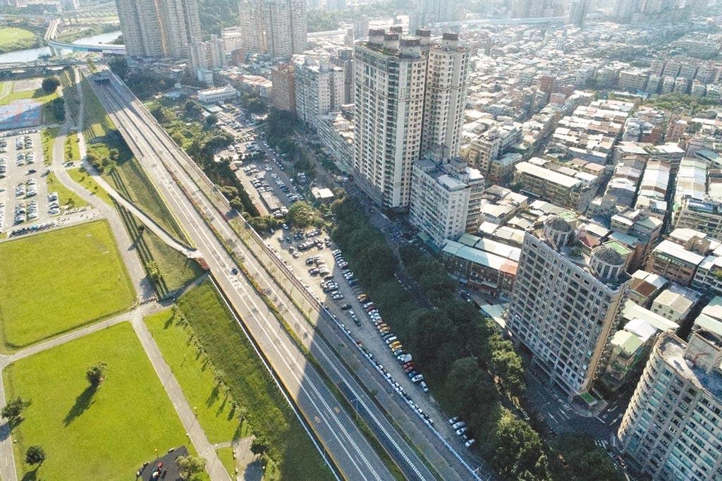 中和秀朗橋北側開發案,預計15日舉辦首場區段徵收公聽會。(新北市地政局提供/許哲瑗新北傳真)