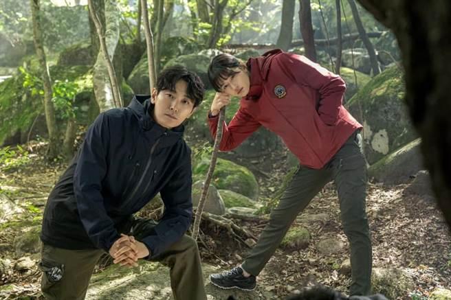 朱智勛與全智賢合作新戲《智異山》,讓影片十分期待 (圖 /YouTube / 智異山)