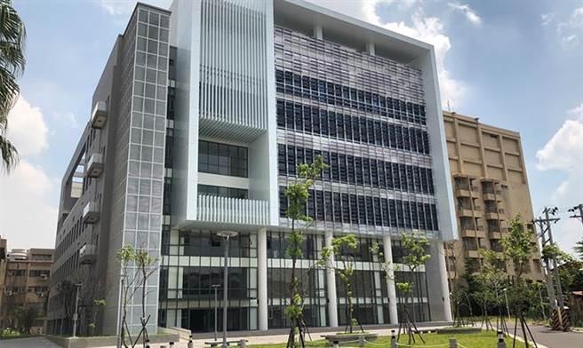 臺藝大多功能活動中心落成啟用,將成為板橋全人體適能教育新地標。(圖/臺藝大提供)