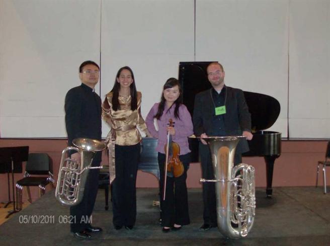 2011年7月,盧老師受邀至美國亞歷桑那州國際協會分會演出。(圖/盧老師提供)