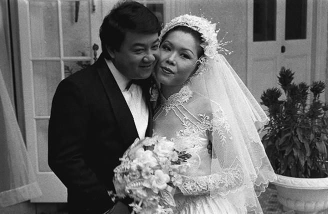 關菊英1982年嫁給音樂人黎小田。(圖/翻攝自東網)