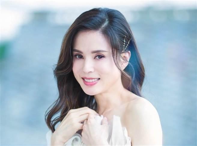 香港女星李若彤。(圖/ 摘自李若彤微博)