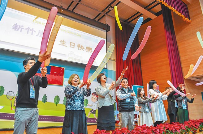 康橋國際學校新竹校區舉辦5周年校慶活動,全校近2000名親師生一同祝賀學校生日快樂。(康橋國際學校新竹校區提供/邱立雅竹市傳真)