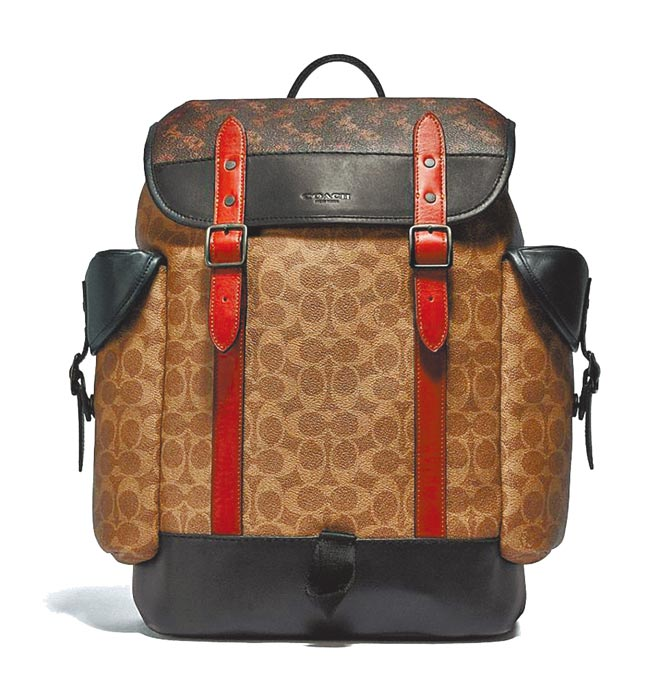 Coach Logo後背包,2萬7800元。(Coach提供)