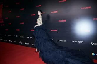紅毯禮服醜到遭酸「換造型師」關曉彤美回來了高EQ反應