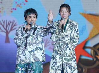 周兴哲新北耶诞城同台前女友 赵岱新首吐心声「过去都过去啦」