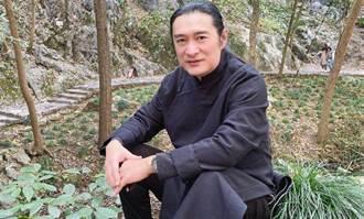 黃安自爆大學四年「靠女人吃飯」 揭活像丐幫內幕
