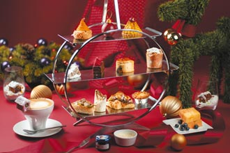 飯店過耶誕萌系甜點上桌