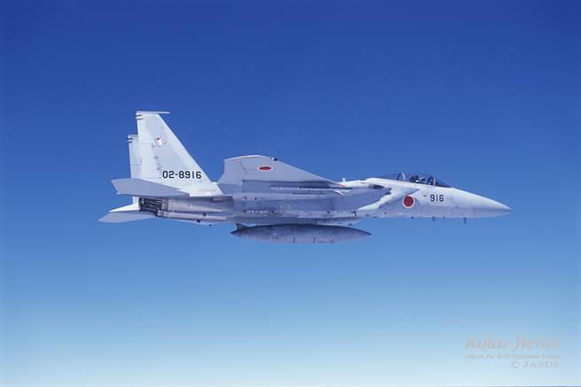 將F-15升級為日本超攔截機卻費用過高,讓日方決定2021財年不編列相關預算,恐影響對陸嚇阻。(圖/日防衛省)