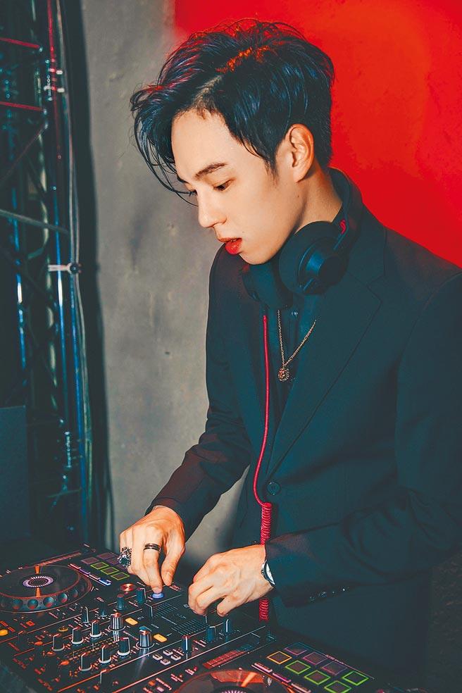 台北W飯店邀請多位活躍台灣的知名DJ LINE UP,其中包含活躍於各大時尚精品活動的型男DJ Mai。(台北W飯店提供)