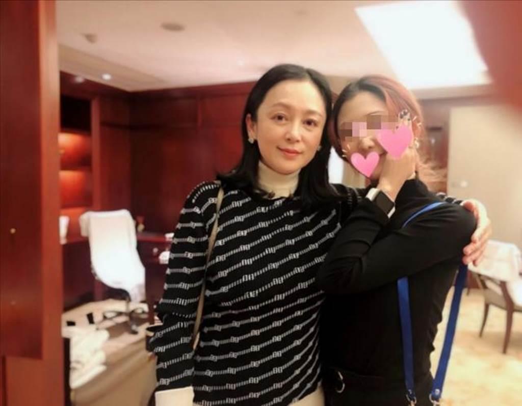 陈红52岁保养得宜。(图/微博)
