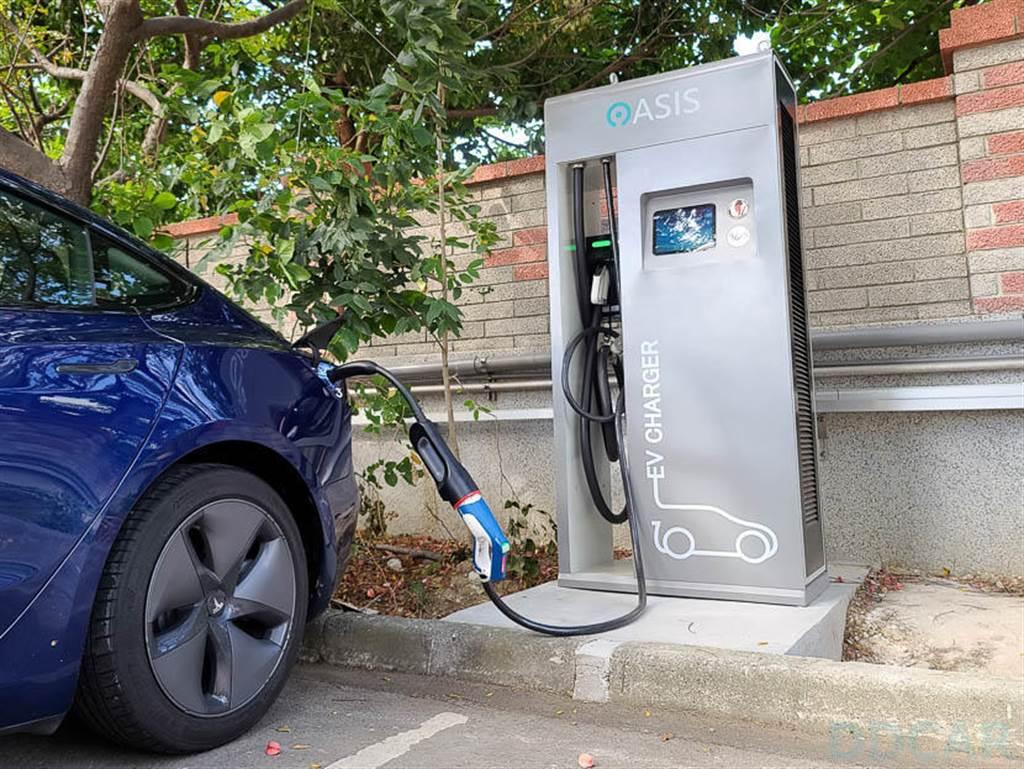 OASIS 成為台灣奧迪官方充電夥伴,明年台灣增設五座快速充電站!