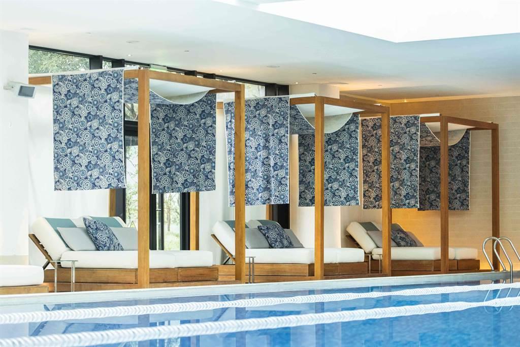 大溪威斯汀_印尼情調室內溫水泳池。(大溪威斯汀提供/蔡依珍桃園傳真)