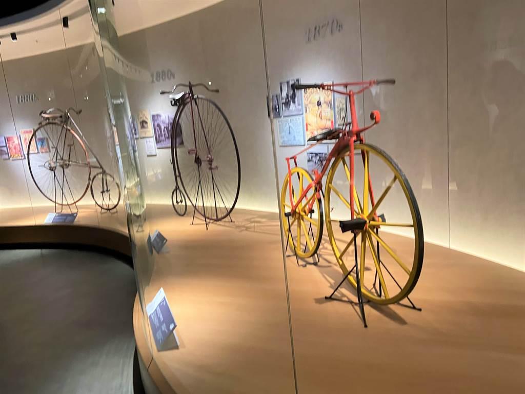 自行车文化探索馆骑出中科园区,让民眾体验各种骑行乐趣。(卢金足摄)