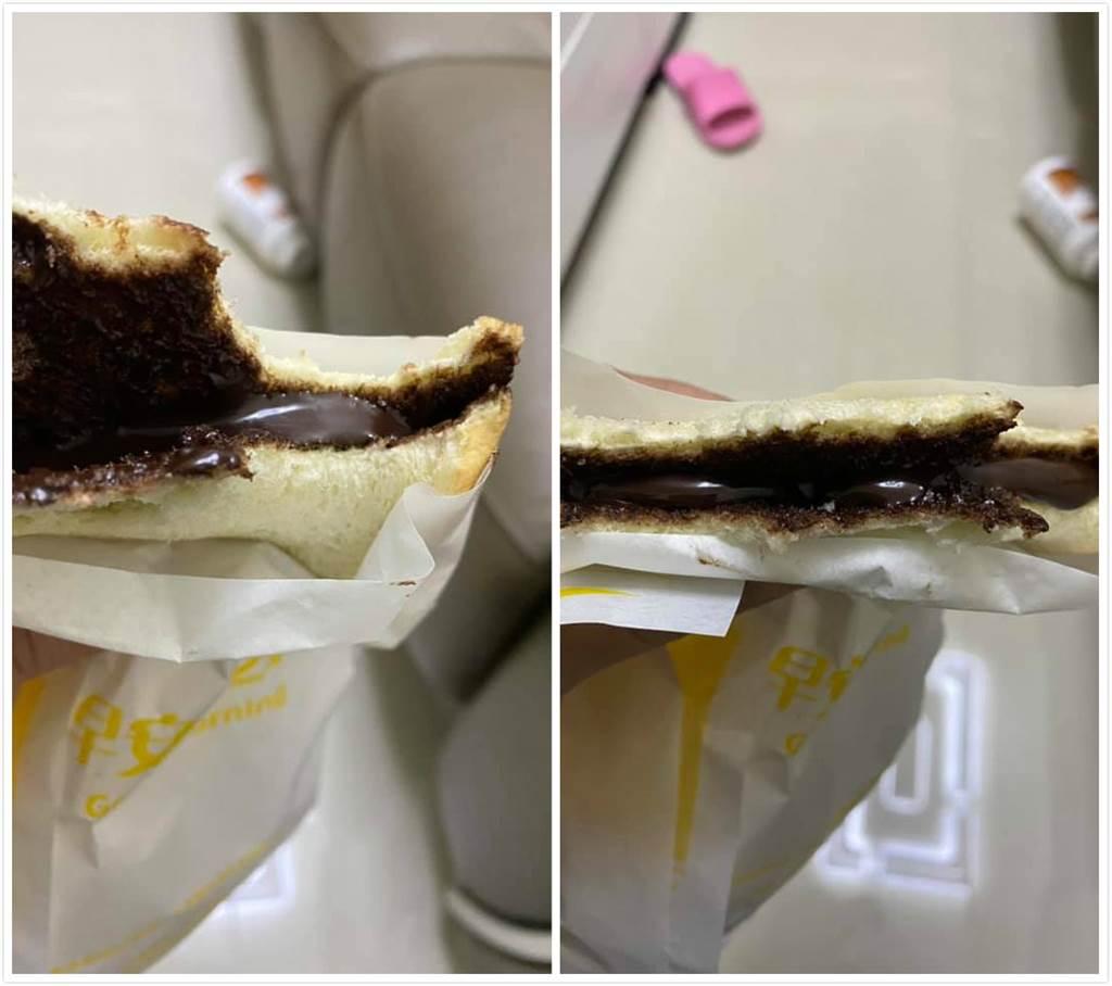 一位女網友分享她在早餐店買的「巧克力吐司」成品照,銷魂畫面後讓全網暴動直呼太銷魂。(摘自爆怨公社)
