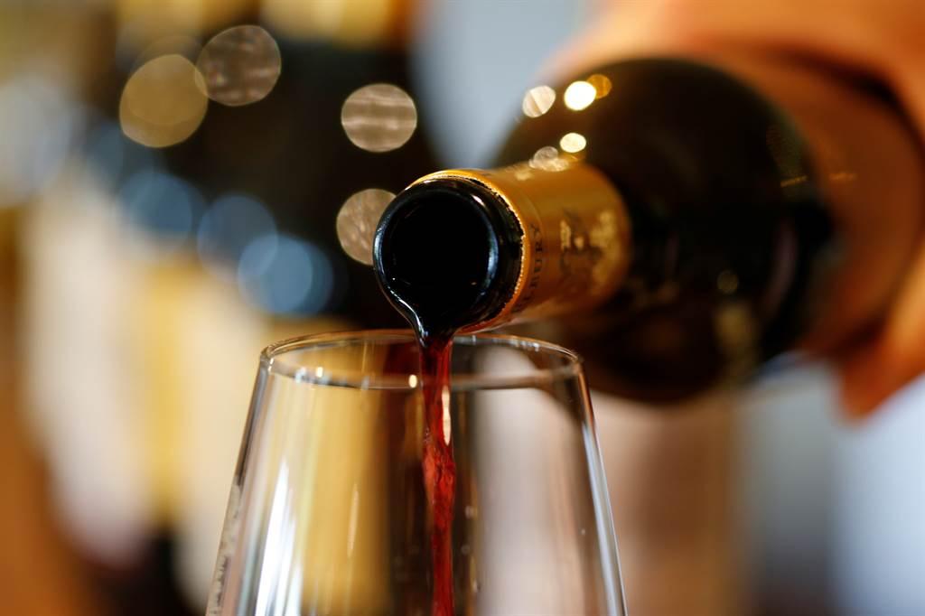研究发现红酒、乳酪与羊肉,可降低老人痴呆与认知能力问题。图/路透社(photo:ChinaTimes)