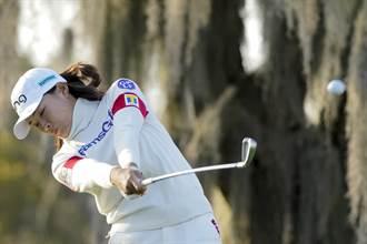 高球》美国女子公开赛大雨延赛 涉野日向子1杆领先