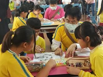 南市府推偏鄉小校資源共享 市長黃偉哲扮學生一起上課