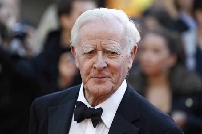 電影「諜影行動」同名原著作者、英國著名諜報小說家約翰.勒卡雷(John le Carre)昨天辭世,享壽89歲。(圖/美聯社)