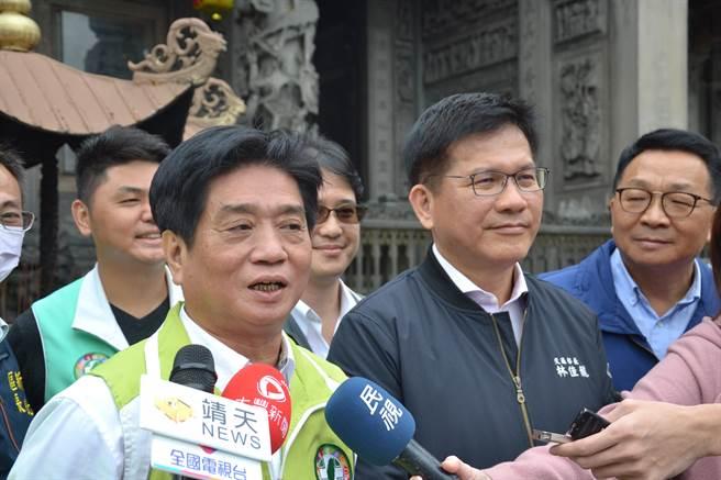 交通部長林佳龍表示,中央會全力協助台中市府,解決綠線通車問題。(記者蔡雯如攝)