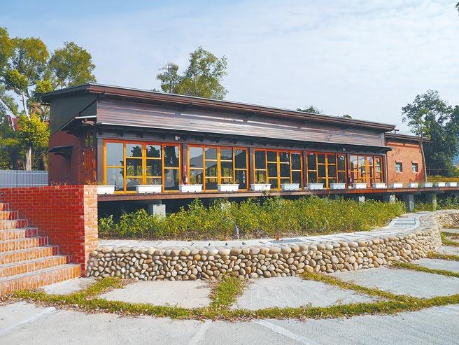 清水岩溫泉露營區結合和風建築的湯屋,是一大特色,預計明年6月開放。(彰化縣政府提供/吳敏菁彰化傳真)