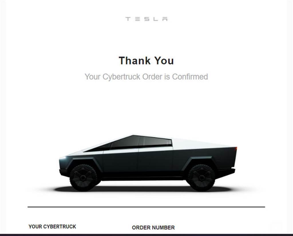 可惡,想養!萌呆系 Cybertruck 抱枕開箱:可愛又療癒的居家車用百搭小物