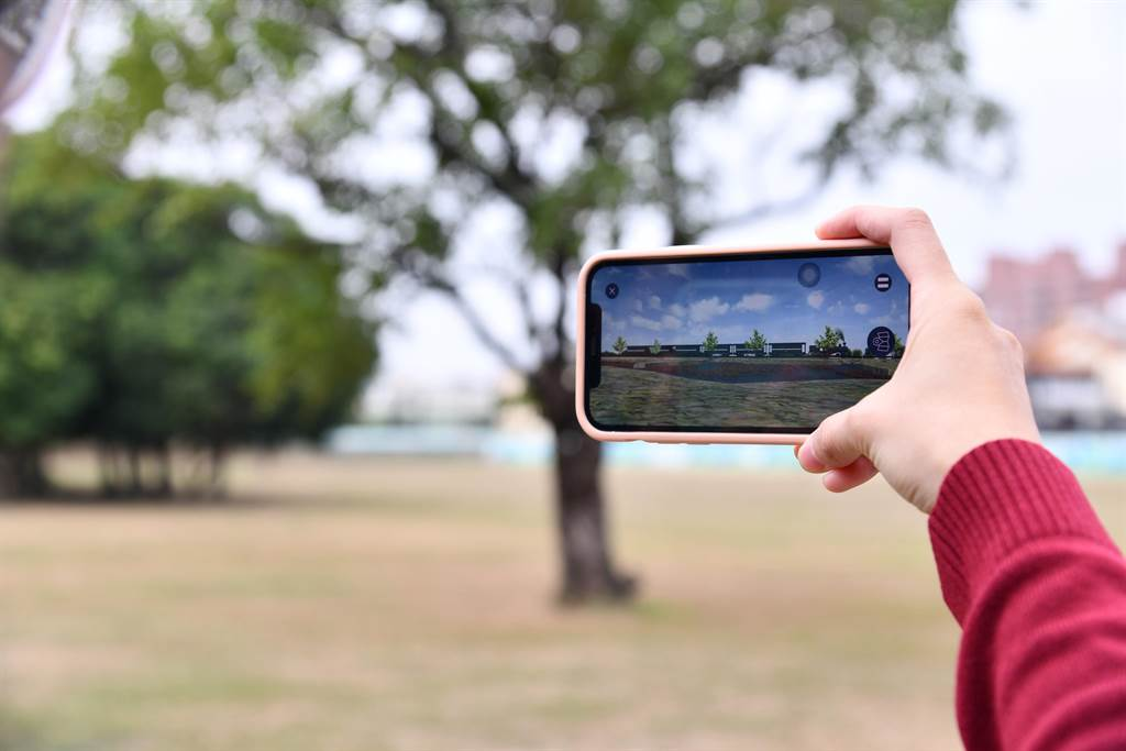 林務局阿里山林業鐵路及文化資產管理處特別設計製作「嘉義製材所」AR導覽軟體,將於12月19日阿里山鐵路通車108周年慶時發表啟用。(林鐵及文資處提供∕呂妍庭嘉義傳真)